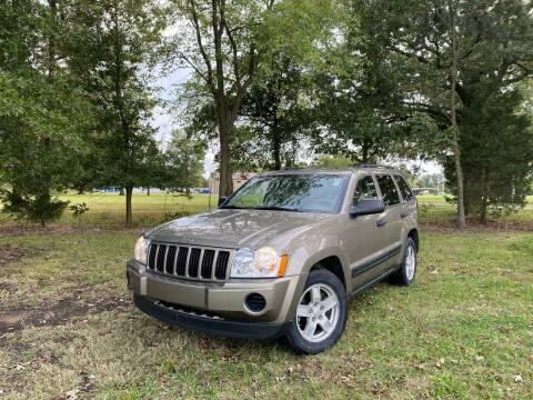 2005 Jeep Grand Cherokee for sale at Walker Automotive in Frontenac KS