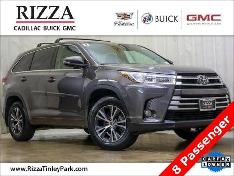 2017 Toyota Highlander for sale at Rizza Buick GMC Cadillac in Tinley Park IL