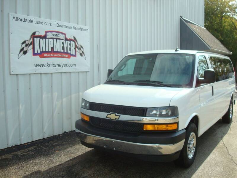 2018 Chevrolet Express Passenger for sale at Team Knipmeyer in Beardstown IL