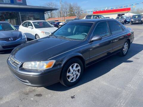 2000 Toyota Camry for sale at Wise Investments Auto Sales in Sellersburg IN