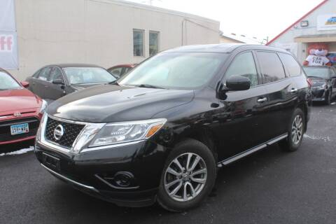2013 Nissan Pathfinder for sale at Rochester Auto Mall in Rochester MN