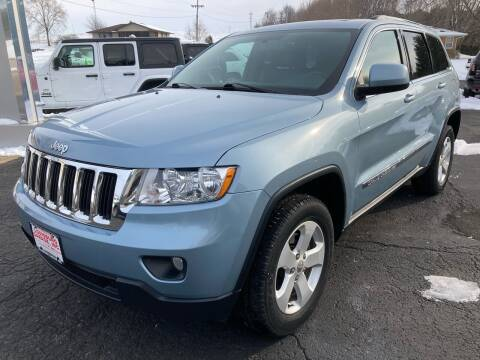 2013 Jeep Grand Cherokee for sale at Louisburg Garage, Inc. in Cuba City WI