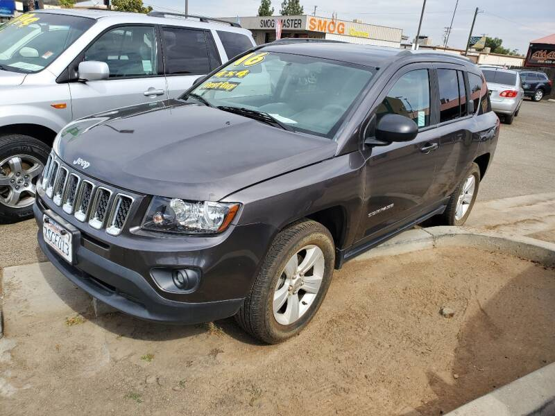 2016 Jeep Compass for sale at Showcase Luxury Cars II in Pinedale CA