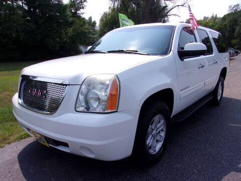 2011 GMC Yukon XL for sale at American Auto Sales in Forest Lake MN
