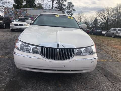 2000 Lincoln Town Car for sale at Fast and Friendly Auto Sales LLC in Decatur GA