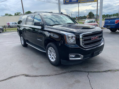 2019 GMC Yukon XL for sale at Summit Palace Auto in Waterford MI
