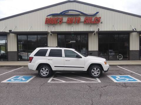 2009 Jeep Grand Cherokee for sale at DOUG'S AUTO SALES INC in Pleasant View TN