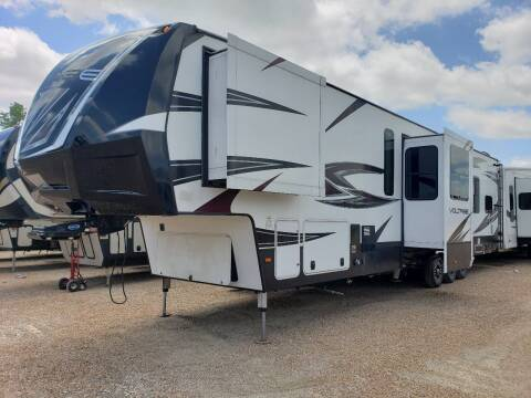 2017 Ddutchmen  Voltage 4100 for sale at Ultimate RV in White Settlement TX