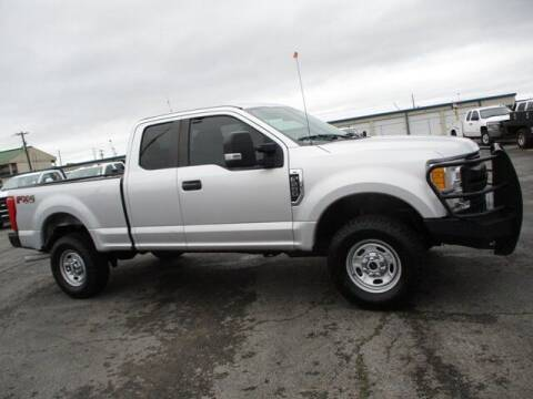 2017 Ford F-250 Super Duty for sale at GOWEN WHOLESALE AUTO in Lawrenceburg TN