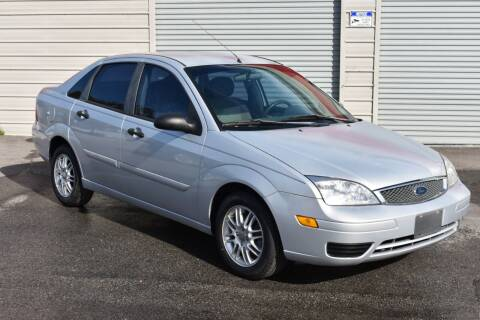 2005 Ford Focus for sale at Mix Autos in Orlando FL