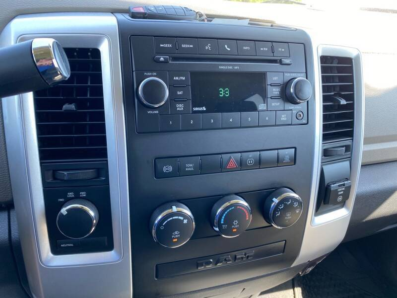 2010 Dodge Ram Pickup 2500 4x4 SLT 4dr Mega Cab 6.3 ft. SB Pickup - Beaver Dam WI