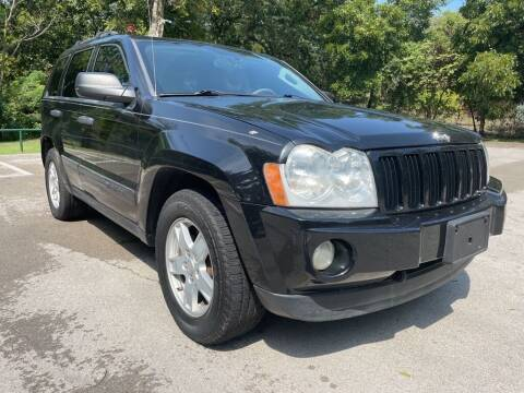 2005 Jeep Grand Cherokee for sale at Thornhill Motor Company in Lake Worth TX