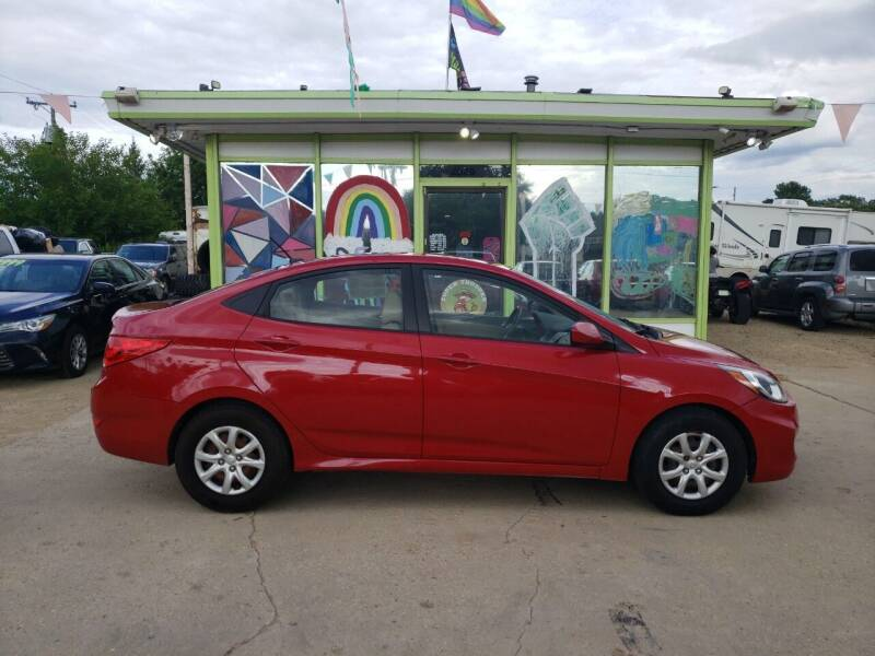 2012 Hyundai Accent for sale at Super Trooper Motors in Madison WI
