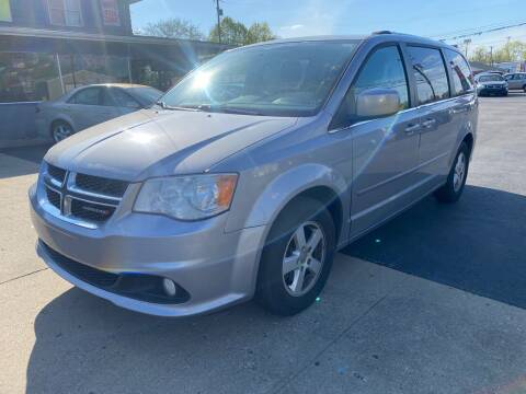 2013 Dodge Grand Caravan for sale at Wise Investments Auto Sales in Sellersburg IN