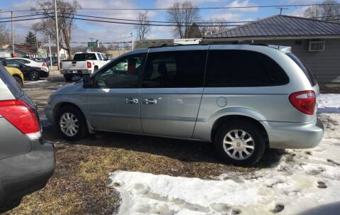 2001 Chrysler Town and Country for sale at Antique Motors in Plymouth IN