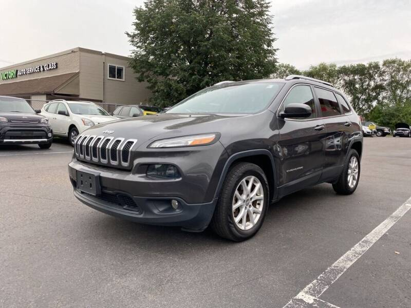 2016 Jeep Cherokee for sale at MIDWEST CAR SEARCH in Fridley MN