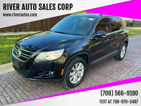 2009 Volkswagen Tiguan for sale at RIVER AUTO SALES CORP in Maywood IL