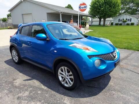 2011 Nissan JUKE for sale at CALDERONE CAR & TRUCK in Whiteland IN