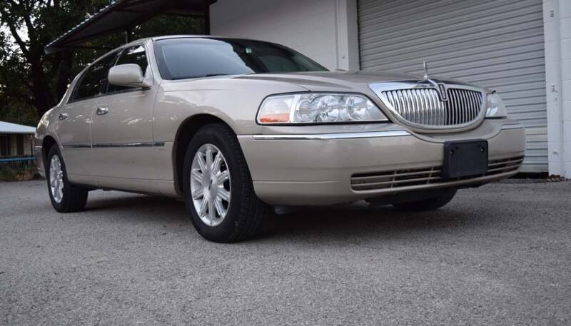2009 Lincoln Town Car for sale at BriansPlace in Lipan TX