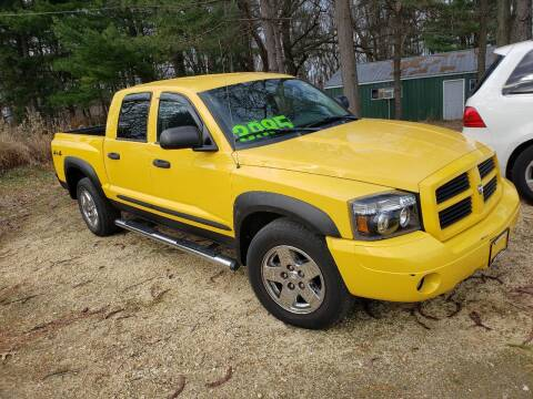2006 Dodge Dakota for sale at Northwoods Auto & Truck Sales in Machesney Park IL