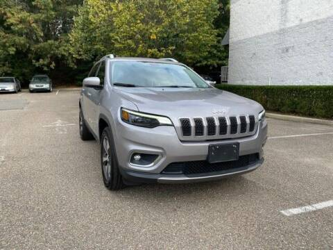 2019 Jeep Cherokee for sale at Select Auto in Smithtown NY