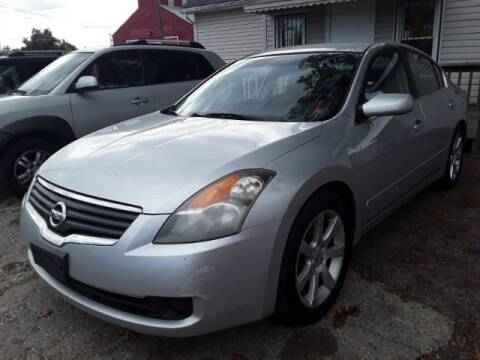 """2008 Nissan Altima for sale at Midwestern Auto Sales """"The Used Car Center"""" in Middletown OH"""
