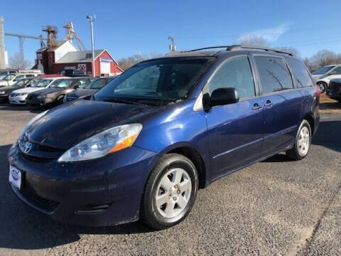 2007 Toyota Sienna for sale at WINDOM AUTO OUTLET LLC in Windom MN