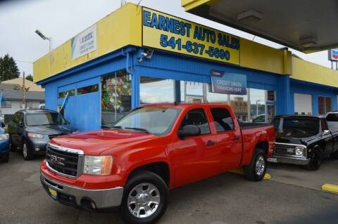 2007 GMC Sierra 1500 for sale at Earnest Auto Sales in Roseburg OR