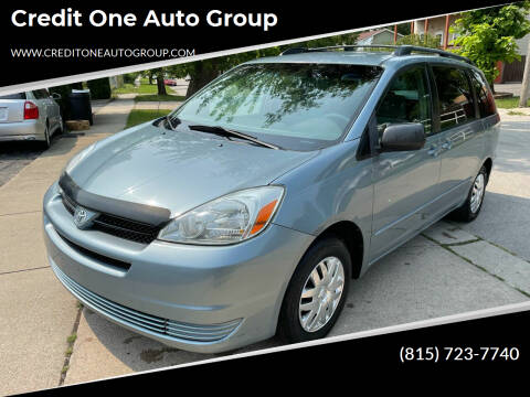 2005 Toyota Sienna for sale at Credit One Auto Group in Joliet IL