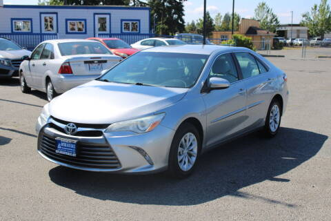 2015 Toyota Camry for sale at BAYSIDE AUTO SALES in Everett WA