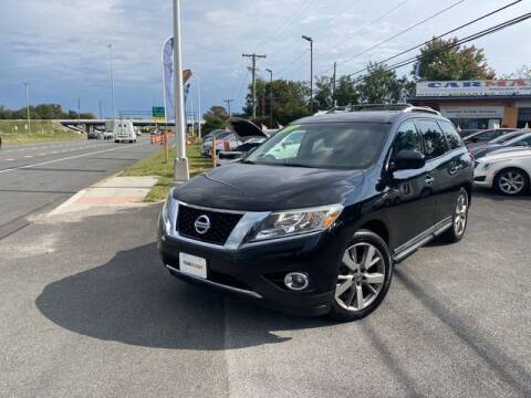 2013 Nissan Pathfinder for sale at CARMART Of New Castle in New Castle DE