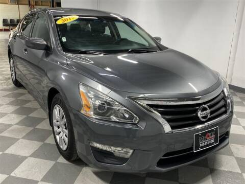 2015 Nissan Altima for sale at Mr. Car City in Brentwood MD