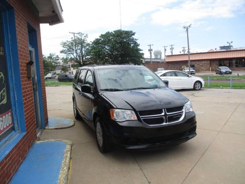 2018 Dodge Caravan for sale at Discount Motor Sales LLC in Wichita KS