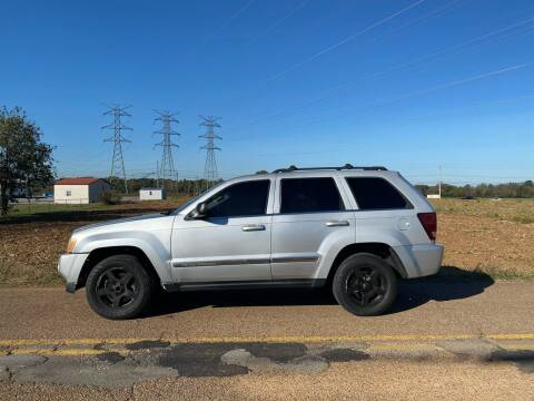 2006 Jeep Grand Cherokee for sale at Tennessee Valley Wholesale Autos LLC in Huntsville AL