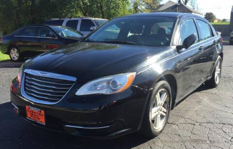 2014 Chrysler 200 for sale at Knowlton Motors, Inc. in Freeport IL