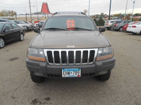 2001 Jeep Grand Cherokee for sale at SPECIALTY CARS INC in Faribault MN