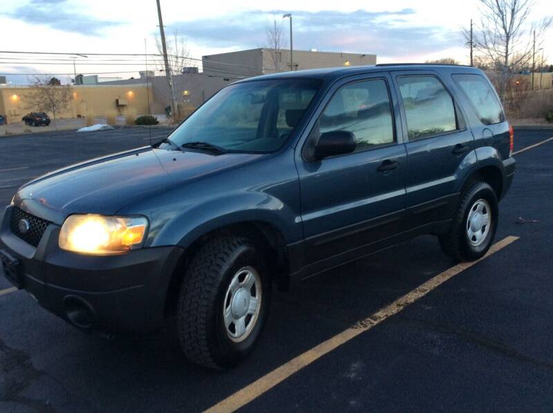 2005 Ford Escape for sale at AROUND THE WORLD AUTO SALES in Denver CO