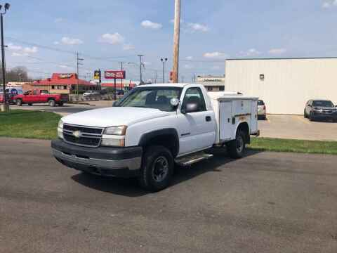 2006 Chevrolet Silverado 2500HD for sale at DILLON LAKE MOTORS LLC in Zanesville OH