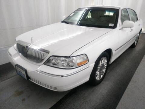 2011 Lincoln Town Car for sale at Horne's Auto Sales in Richland WA