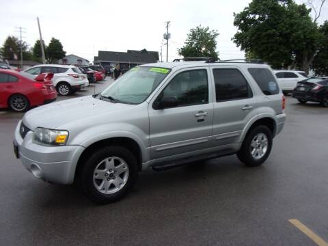 2007 Ford Escape for sale at Ideal Auto Sales, Inc. in Waukesha WI
