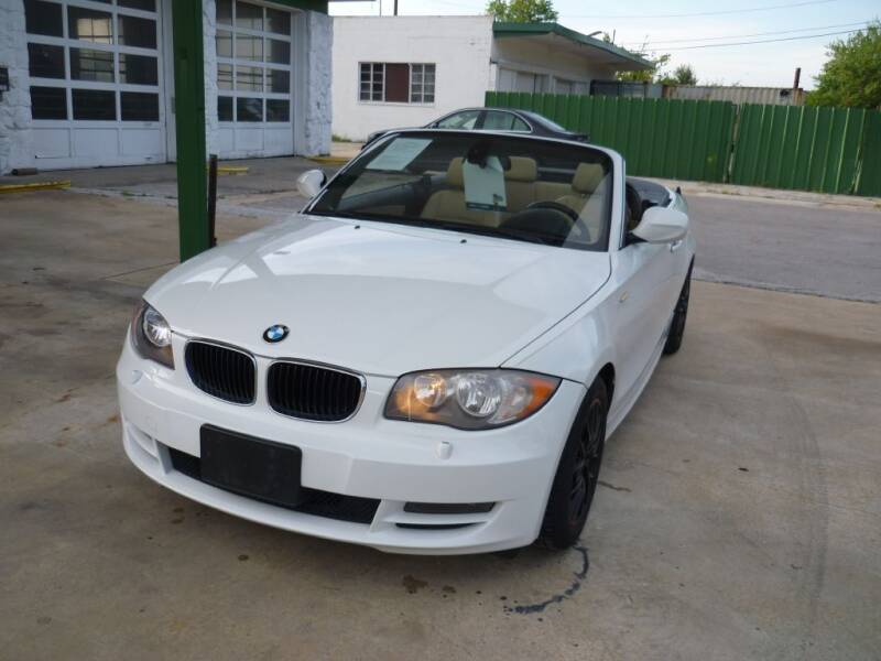 2011 BMW 1 Series for sale at Auto Outlet Inc. in Houston TX