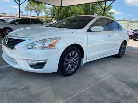 2015 Nissan Altima for sale at Makka Auto Sales in Dallas TX