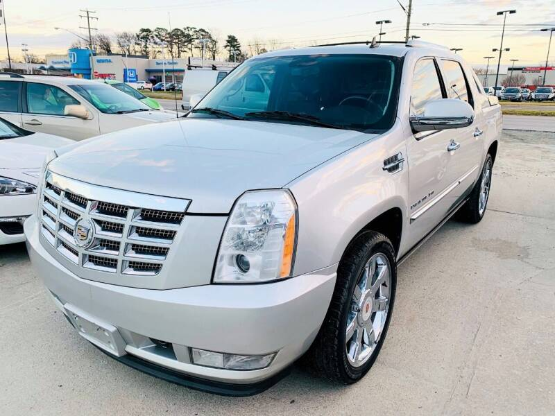 2010 Cadillac Escalade EXT for sale at Auto Space LLC in Norfolk VA