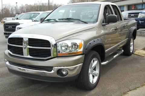 2006 Dodge Ram Pickup 1500 for sale at Modern Motors - Thomasville INC in Thomasville NC