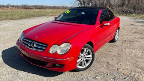 2006 Mercedes-Benz CLK for sale at ROUTE 6 AUTOMAX in Markham IL