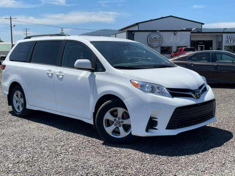 2019 Toyota Sienna for sale at The Other Guys Auto Sales in Island City OR
