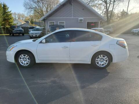 2010 Nissan Altima for sale at Deals on Wheels in Oshkosh WI