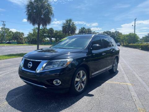 2014 Nissan Pathfinder for sale at Lamberti Auto Collection in Plantation FL