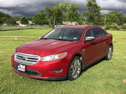 2011 Ford Taurus for sale at LA PULGA DE AUTOS in Dallas TX