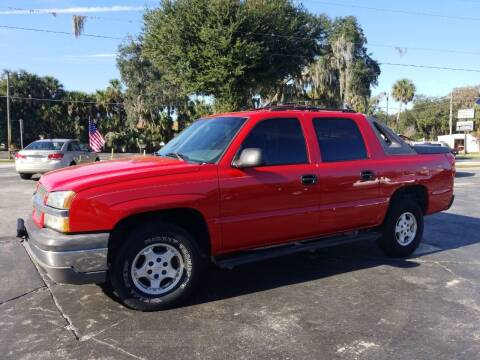 2004 Chevrolet Avalanche for sale at BSS AUTO SALES INC in Eustis FL